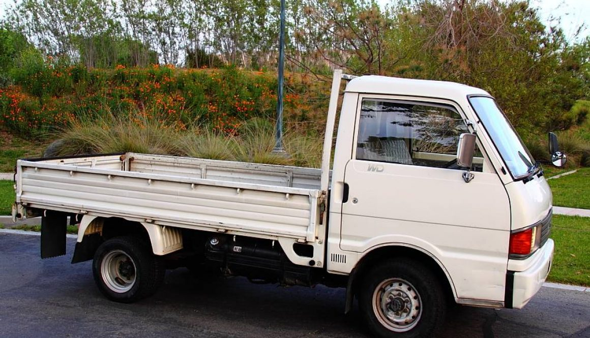 mazda-bongo-brawny-right-side